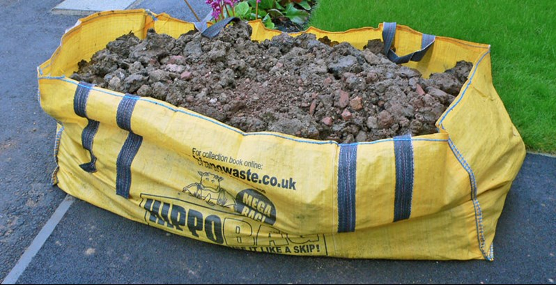 HIPPOBAG full of soil - Garden Waste